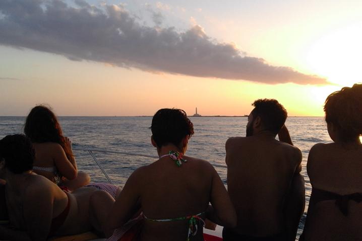 Tramonto sullo Yacht